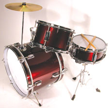 "JAMM JR DRUM SET The JAMM JR has been improved to be fully tunable top and bottom. The 10"" snare drum and the 10"" tom tom have five lugs each; and the 16"" bass drum has six lugs. The shells are real wood; and available in black or red. The set comes compl"